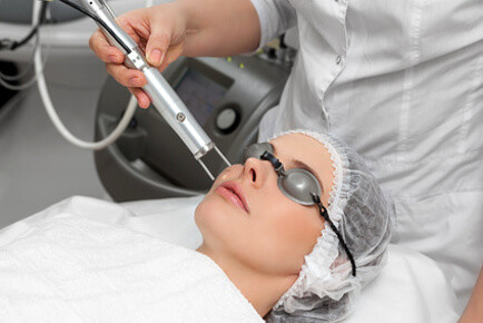 Laserbehandlung Unreine Haut in Bern. Schluss mit unreiner Haut und Akne in Bern.